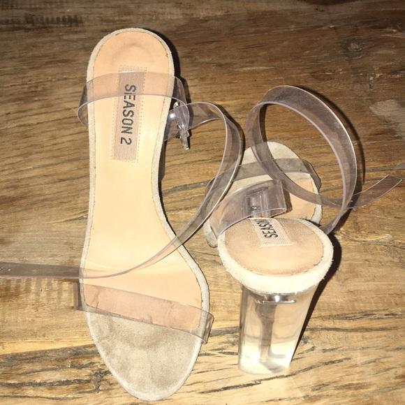 d69847b11a4f YEEZY SEASON 2 Clear lucite heels - size 36. M 5bc5457f9fe486fa86962f70